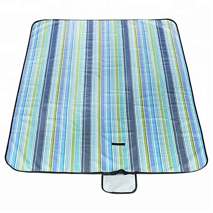 High Quality Foldable Striped Handy Mat for Picnic