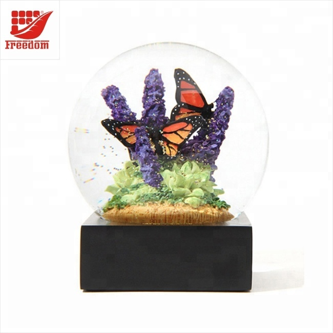 Custom Resin Crystal Ball Snow Globes Water Ball Table Decor Good Luck Balls